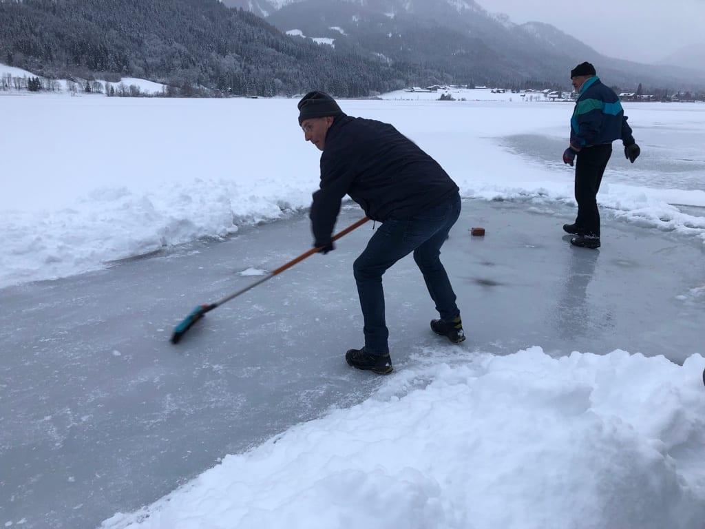 Eisstock schießen Ferienhof Hoffmann Weissensee