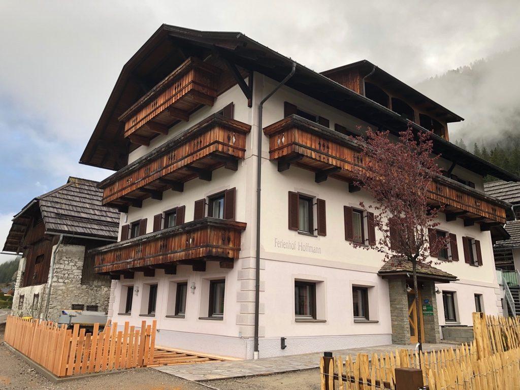 kurzes Baustellen – update… die neue Terrasse wird bald fertig sein :-)