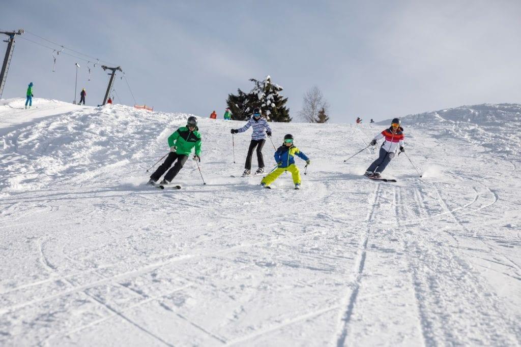 Schifahren und Langlaufen